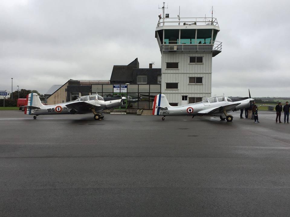 Deux MS733 attendent sagement sous la pluie