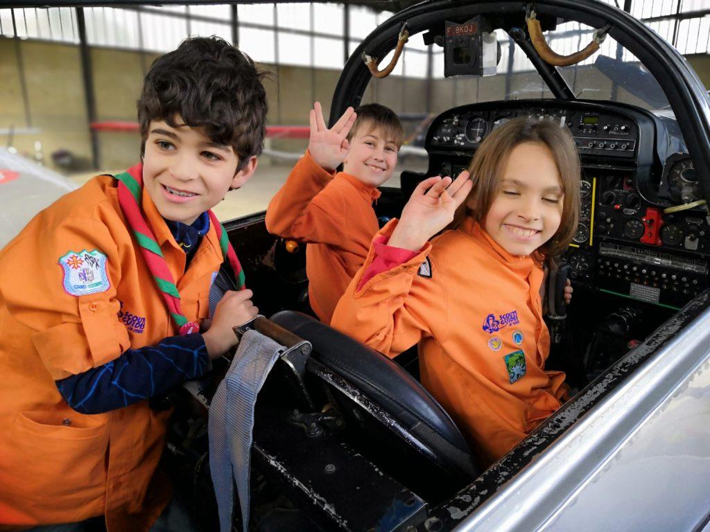 Trois jeunes Scouts dans le MS.733